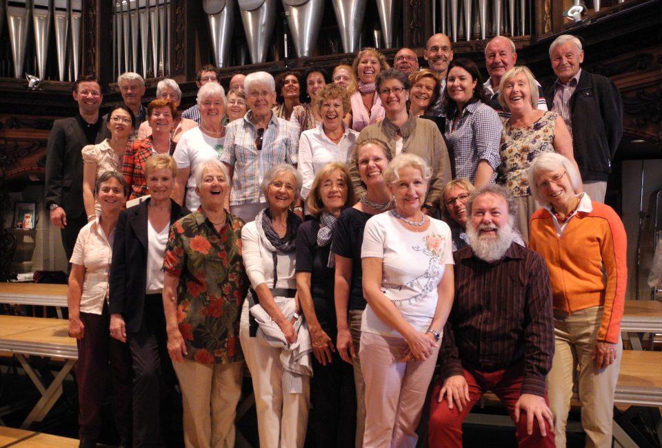 http://www.musik-st-georg.ch/wp-content/uploads/2014/10/Kantorei-St.-Georg-bei-Wolfgang-Sieber-in-Luzern1-960x651_c.jpg