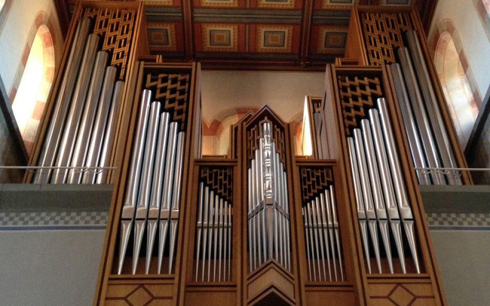 http://www.musik-st-georg.ch/wp-content/uploads/2016/07/Konzert-Orgel-960x600_c.jpg