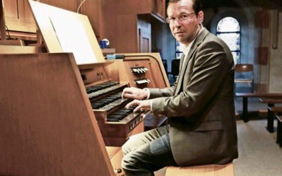 http://www.musik-st-georg.ch/wp-content/uploads/2016/11/Kantor-und-Organist-Andreas-Gut-e1480023623657-960x600_c.jpg